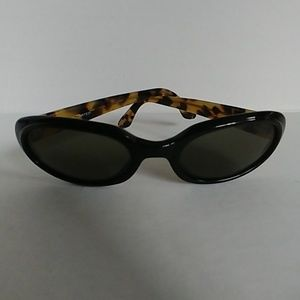 The Limited Vintage Black Oval Round Sunglasses